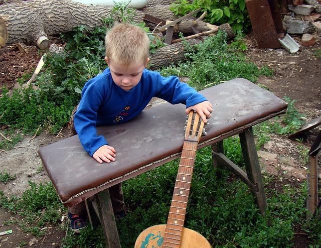 dreng og guitar